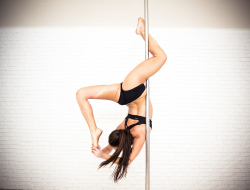 Adel' dance studio - Pole dance